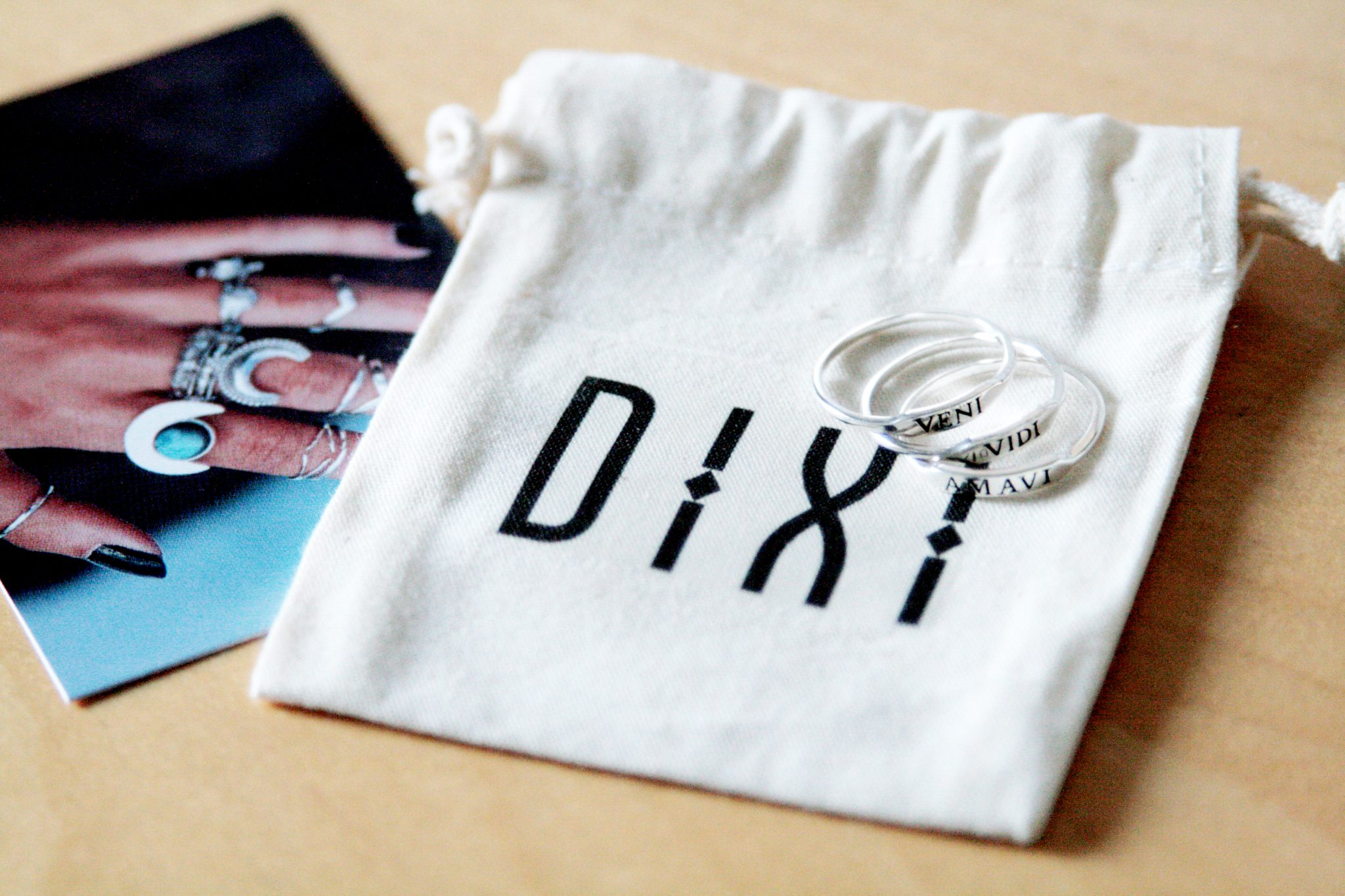 Manchester based fashion and lifestyle blogger. Dixi jewellery - silver veni vidi amavi rings.