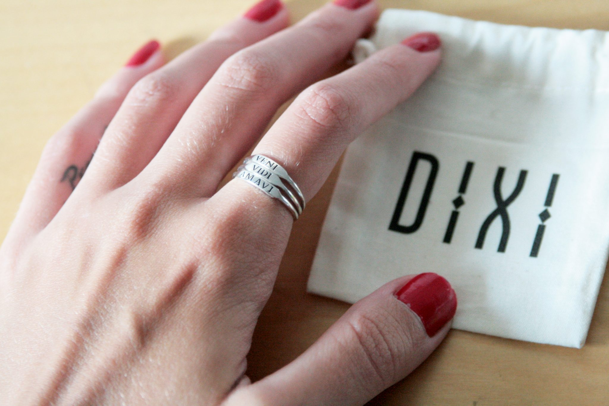 Manchester based fashion and lifestyle blogger. Dixi jewellery - silver veni vidi amavi rings.