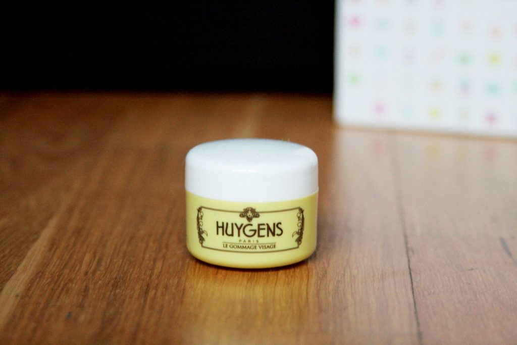 Manchester based fashion and lifestyle blogger. August Birchbox subscription beauty box review. Huygens