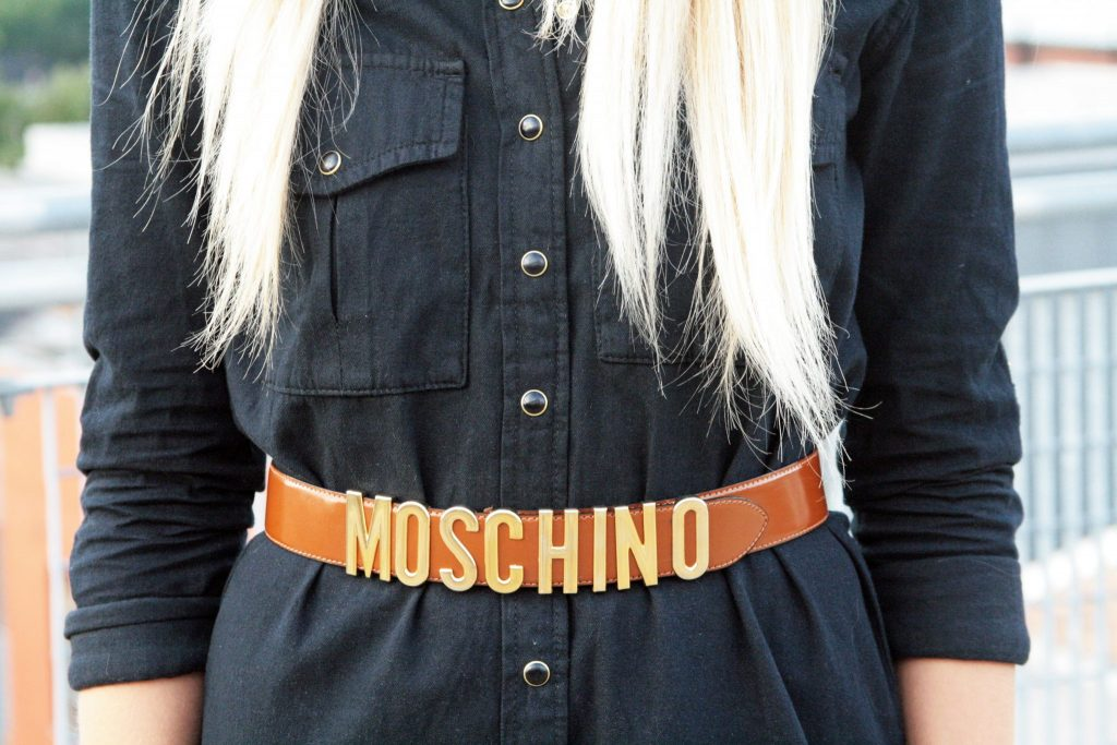 Manchester based fashion  and lifestyle blogger. Pretty little thing black denim shirt dress, moschino belt, new look heeled boots.