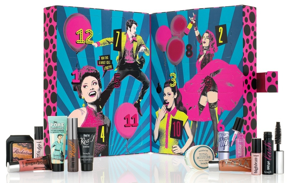 Laura Kate Lucas. Manchester based fashion and lifestyle blog. Benefit party poppers advent calendar.