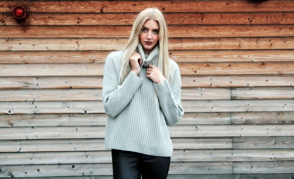 Laura Kate Lucas Blog. Lifestyle, fashion and beauty blogger based in Manchester, UK. Lookbook featuring Tiger Mist Rise of Dawn - you like me too much roll neck sweater jumper, primark black coated jeans, primark black heeled boots. Bblogger, fbblogger, photoshoot.