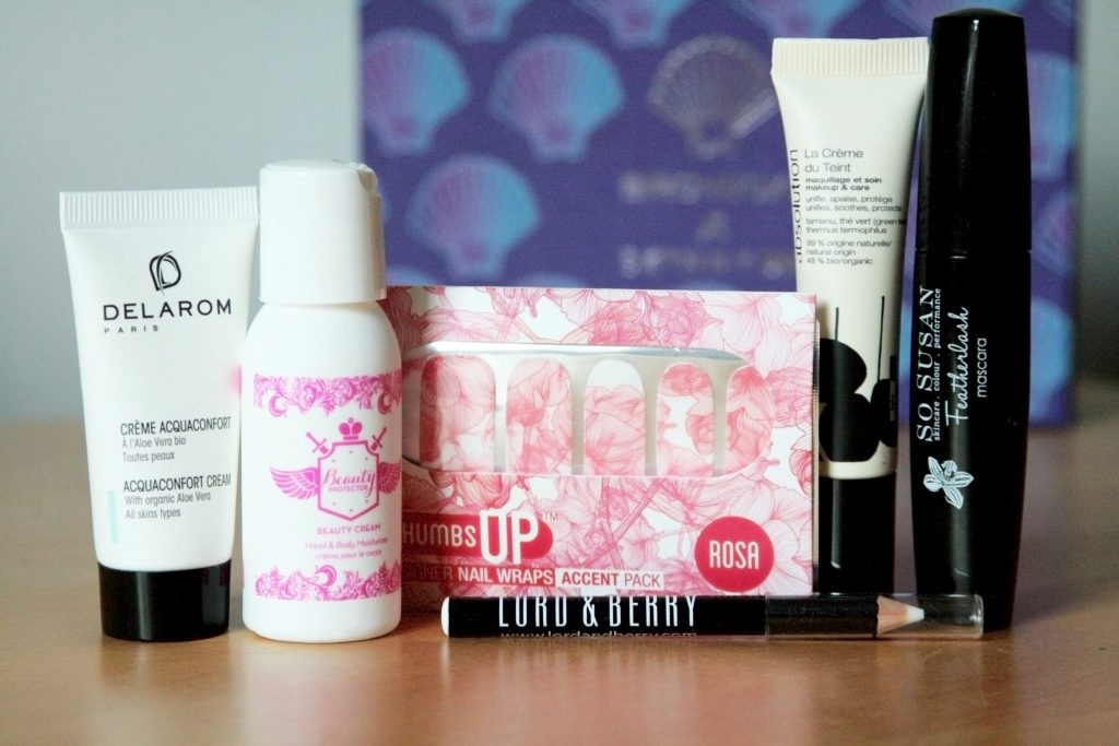 November Birchbox Review - Birchbox X Skinnydip London collab. Subscription box uk review. Shell, Mermaid. Manchester based fashion and lifestyle blog - laura kate lucas. Lord and berry, delarom, beauty protector, so susan , thumbs up, absolution.