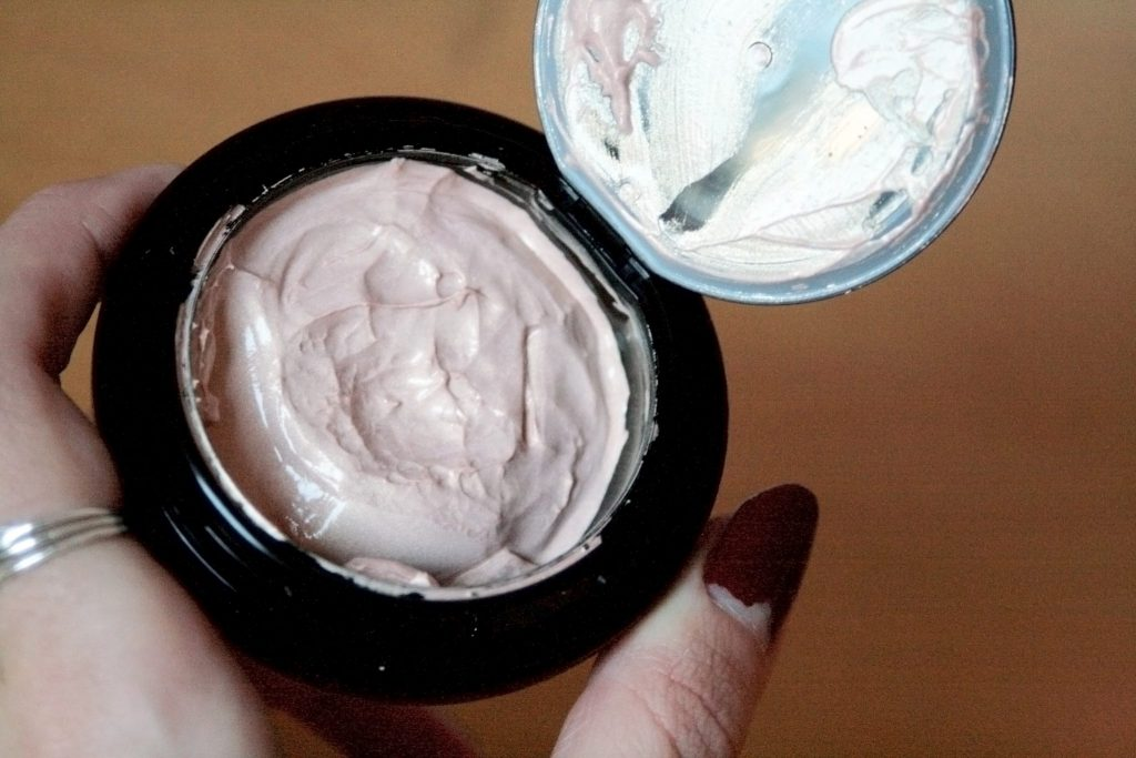 Glossier beauty and makeup. illamasqua radiance veil primer and highlighter