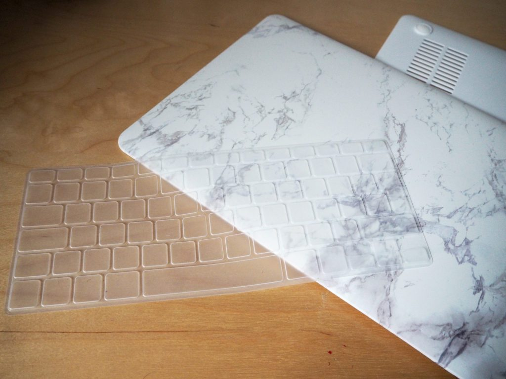 Marble and gold macbook cover - DIY for under £20