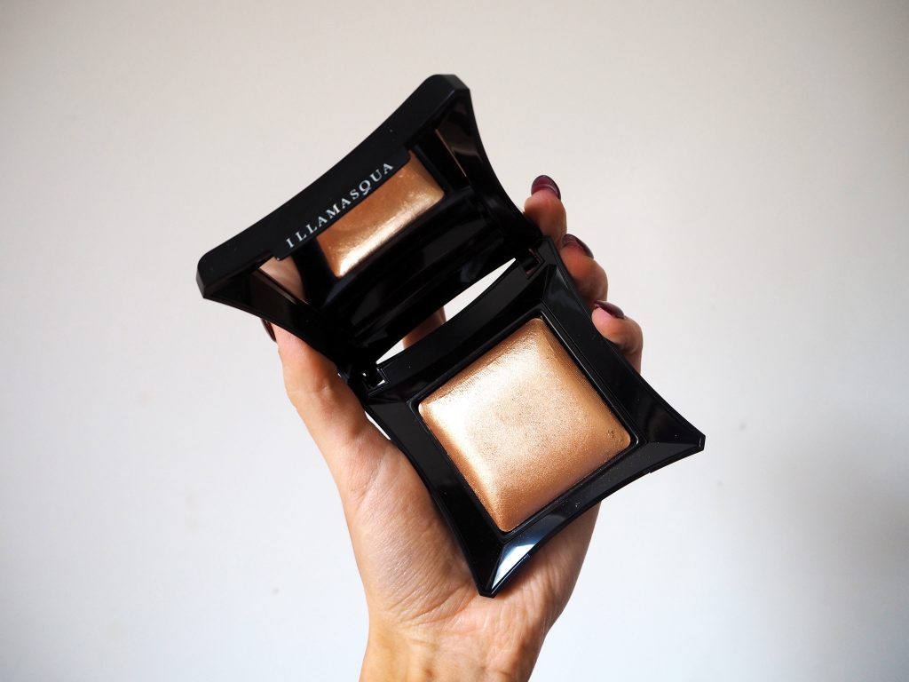 Illamasqua Beyond Powder - Makeup Highlighter Product Review