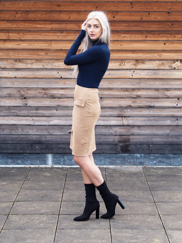 Laura Kate Lucas - Manchester based Fashion and Lifestyle Blogger   Outfit Post Featuring Primark, Public Desire, Quay Australia x Desi Perkins and Zara