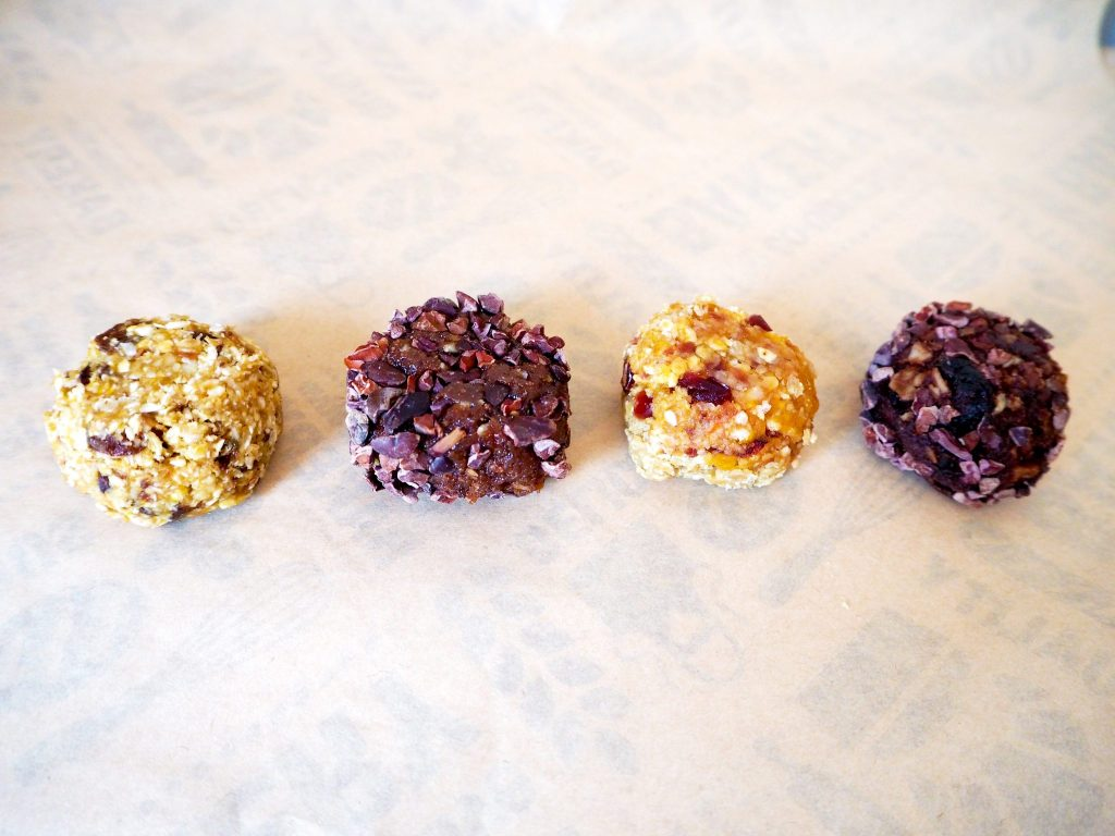 Laura Kate Lucas - Manchester Fashion, Fitness and Lifestyle Blogger   Nutri-Bombz - Raw Healthy Snack