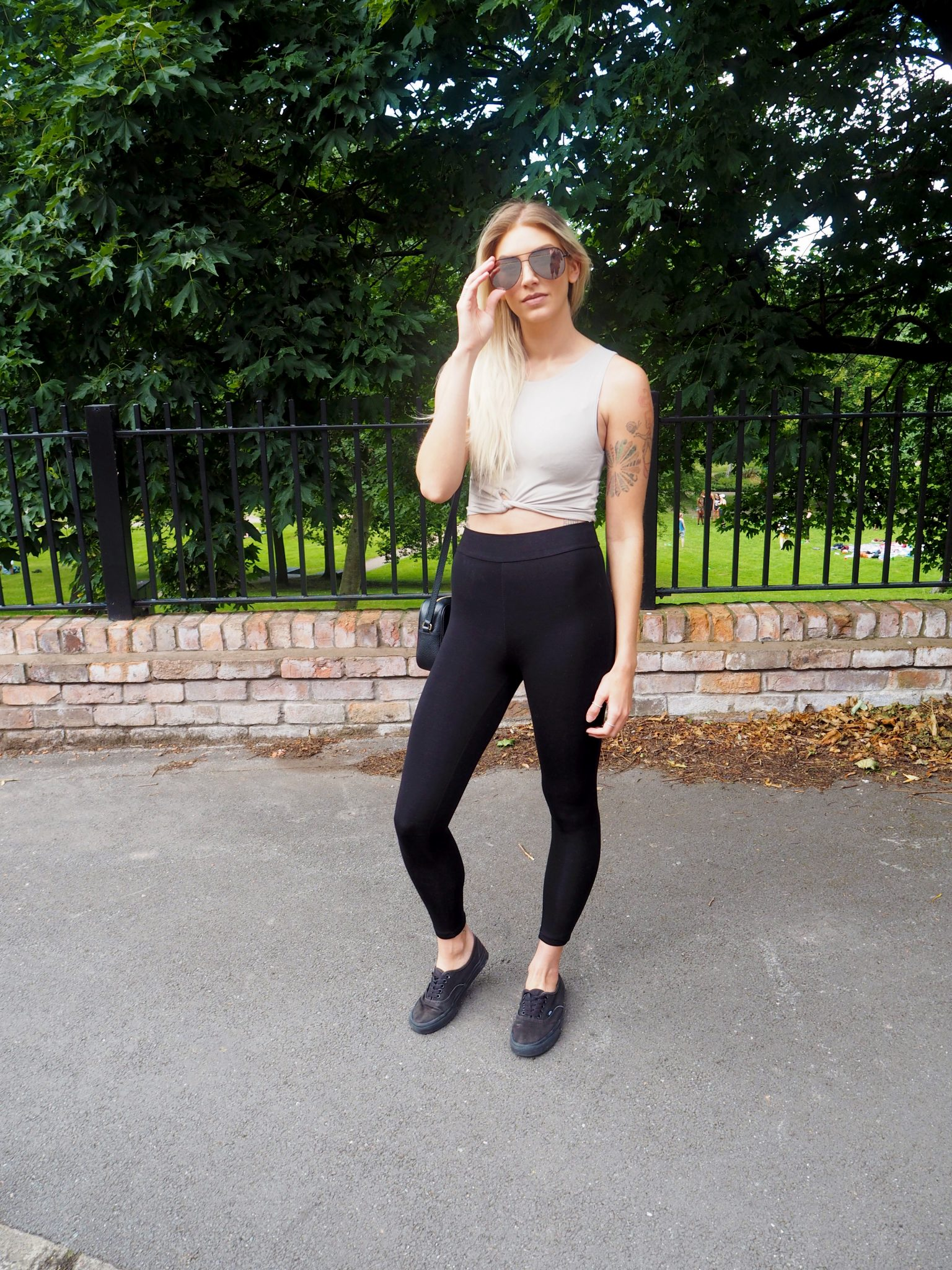 Laura Kate Lucas - Manchester Fashion, Fitness and Food Blogger | Casual Neutrals Outfit Post - Oh Polly Leggings and Crop Top