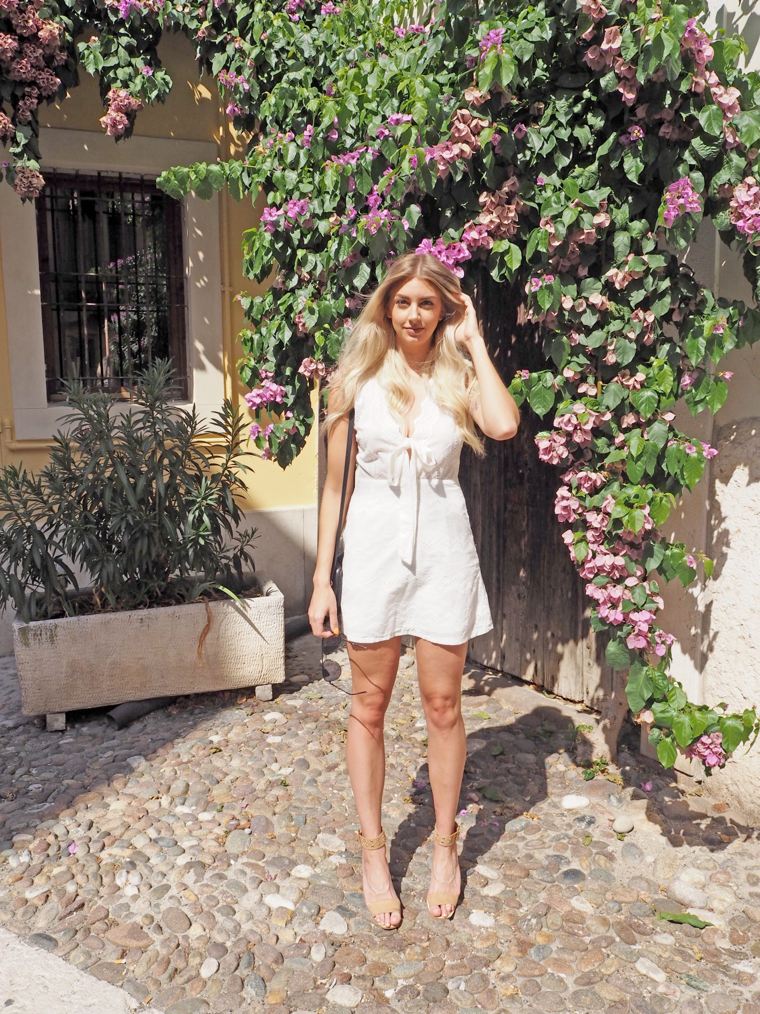 Laura Kate Lucas - Manchester Fashion, Travel and Lifestyle Blogger   Verona Italy Outfit Travel Dress