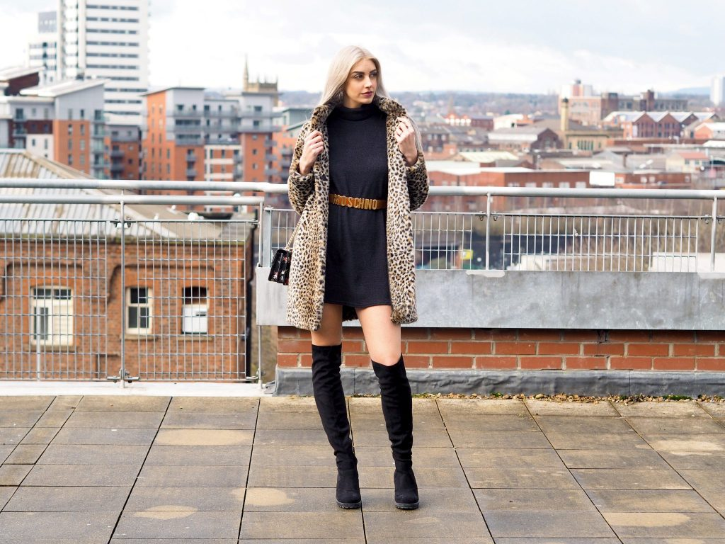 Laura Kate Lucas - Manchester Fashion, Lifestyle and Style Blogger   Tobi Collaboration High Neck Shift Dress Outfit