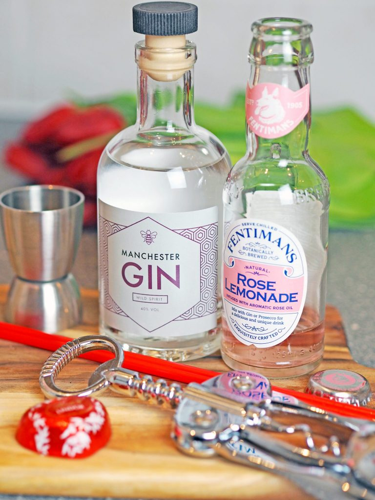 Laura Kate Lucas - Manchester Fashion, Lifestyle and Food Blogger | Flavourly Gin Box Contents and Review