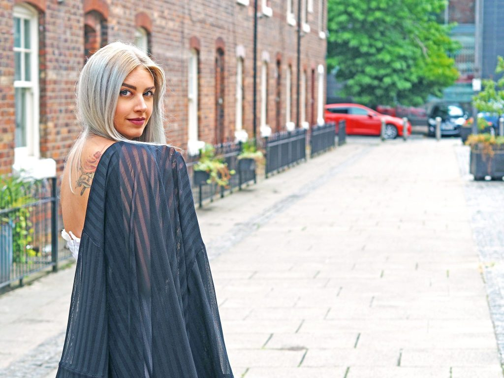Laura Kate Lucas - Manchester Fashion, Travel and Beauty Blogger | Something Wicked Kimono - Underwear as Outerwear Outfit