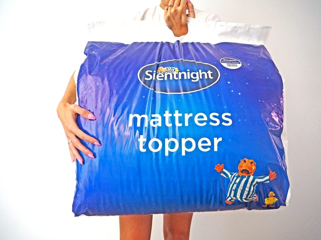Laura Kate Lucas - Manchester Fashion, Travel and Lifestyle Blogger | Silent Night Mattress Topper - Tips for a Good Night's Sleep - Healthy Lifestyle
