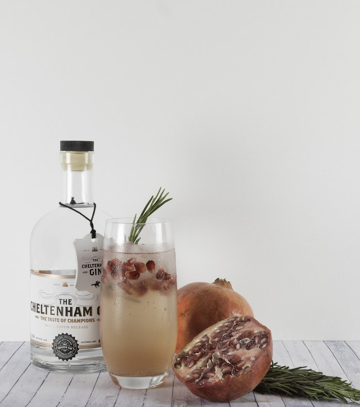 Laura Kate Lucas - Manchester Lifestyle, Fashion and Food Blogger | I Love Gin - 10 Autumn Inspired Garnishes for Gin and Tonic