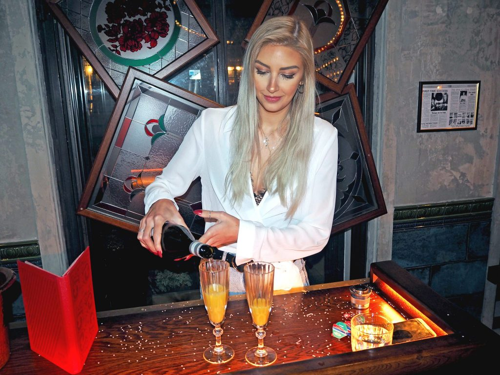 Laura Kate Lucas - Manchester Lifestyle, Fashion and Travel Blogger | Flight Club Darts - Social Darts Bottomless Brunch