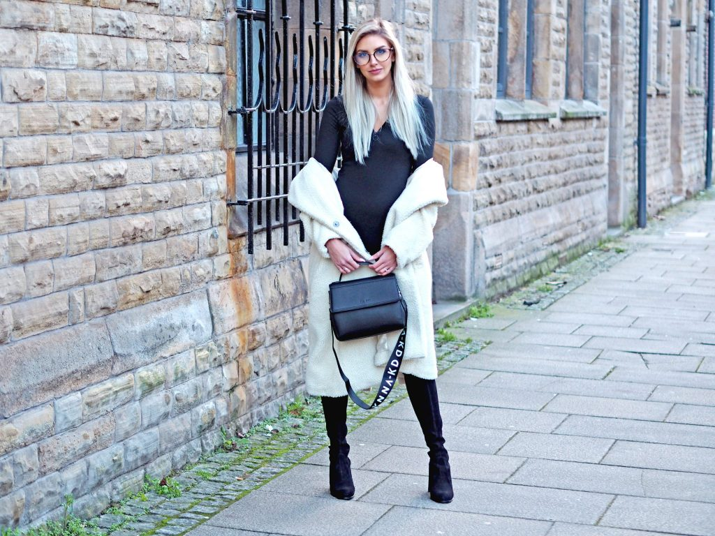 Laura Kate Lucas - Manchester Fashion, Lifestyle and Travel Blog| NA-KD Fashion Black Mini Dress and Bag Outfit