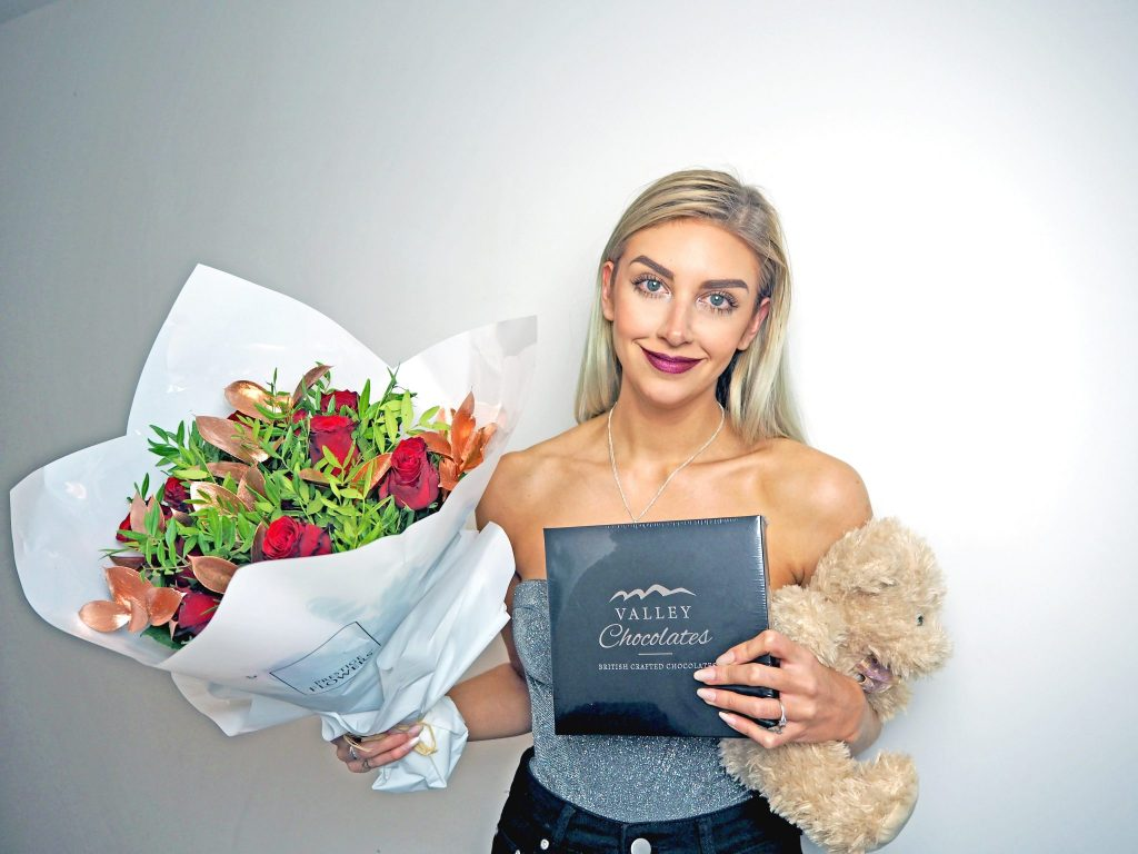 Laura Kate Lucas - Manchester Liestyle, fashion and Wedding blogger | Prestige Flowers Luxury Bouquet - Valentine's Gift Ideas