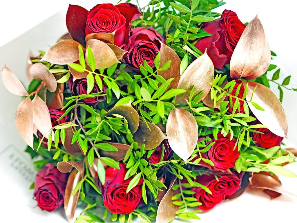 Laura Kate Lucas - Manchester Liestyle, fashion and Wedding blogger | Prestige Flowers Luxury Bouquet - Valentine's Gift Ideas