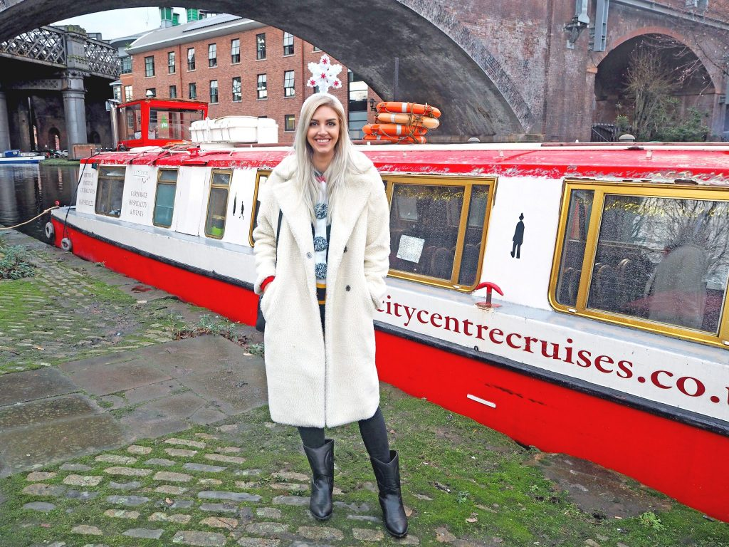 Laura Kate Lucas - Manchester Fashion, Lifestyle and Travel Blogger | The Liquorists Cruise - Christmas Cracker Cocktail Cruise Review