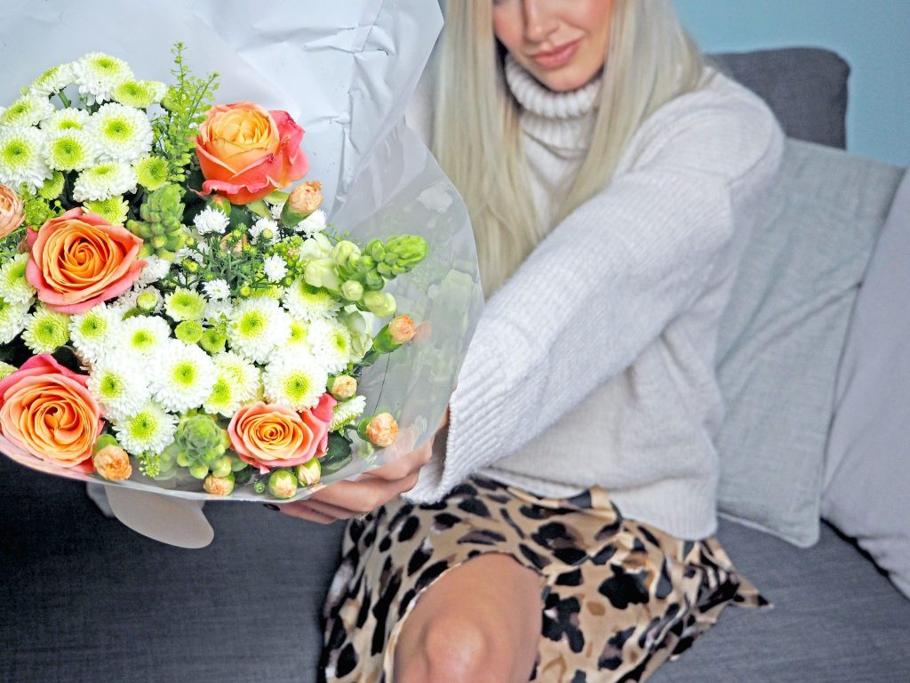 Laura Kate Lucas - Manchester Fashion, Lifestyle and Travel Blogger | Prestige Flowers Spring Country Pink Bouquet