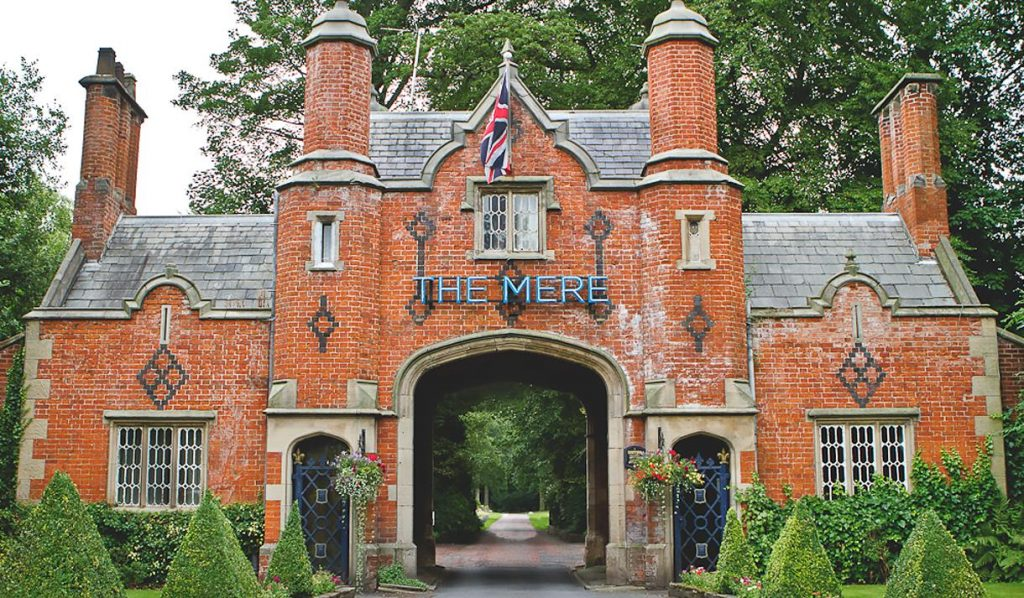 Laura Kate Lucas - Manchester Travel Blogger | The Mere Hotel