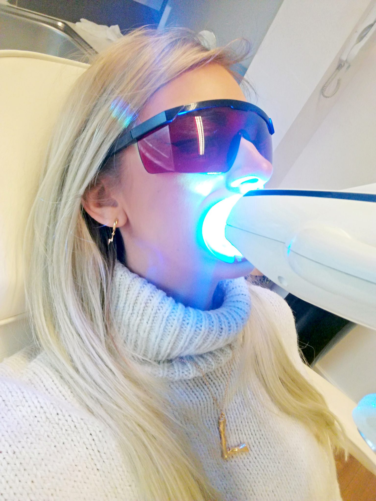 Laura Kate Lucas - Manchester Fashion, Travel and Lifestyle Blogger | White House Teeth Whitening Review