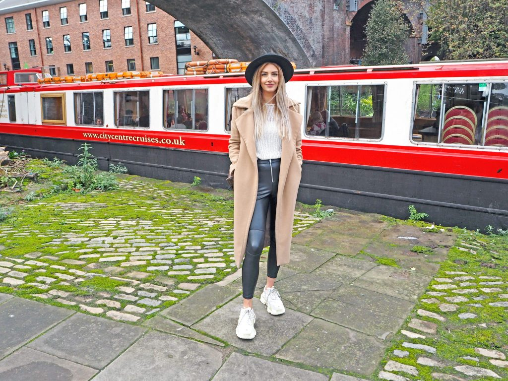 Laura Kate Lucas - Manchester Fashion, Lifestyle and Food Blogger | Sunday Roast Cruise Review - City Centre Cruises