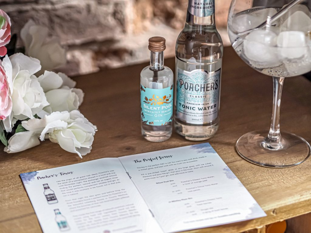 Laura Kate Lucas - Manchester Food, Drink and Fashion Blogger | Ilovegin.com March Subscription Box