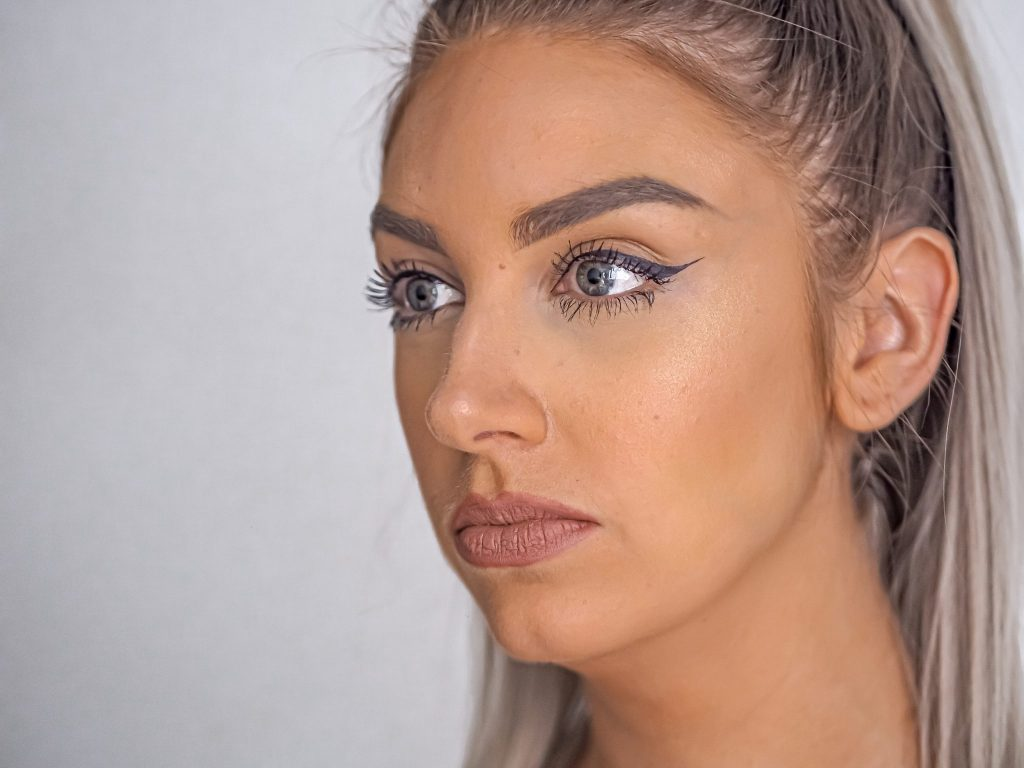 Laura Kate Lucas - Manchester Fashion, Beauty and Lifestyle Blogger | Hourglass Vanish Stick Foundation Review and Swatch