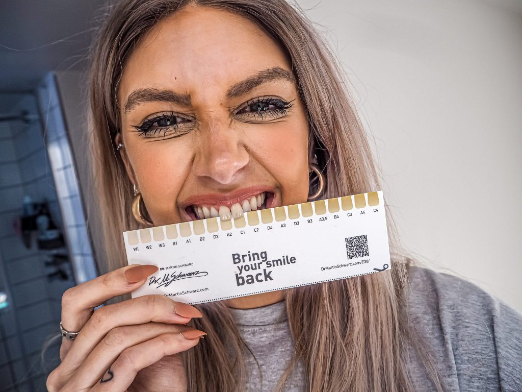 Laura Kate Lucas - Manchester Fashion, Beauty and Lifestyle Blogger | Dr. Martin Schwarz Teeth Whitening Kit Review
