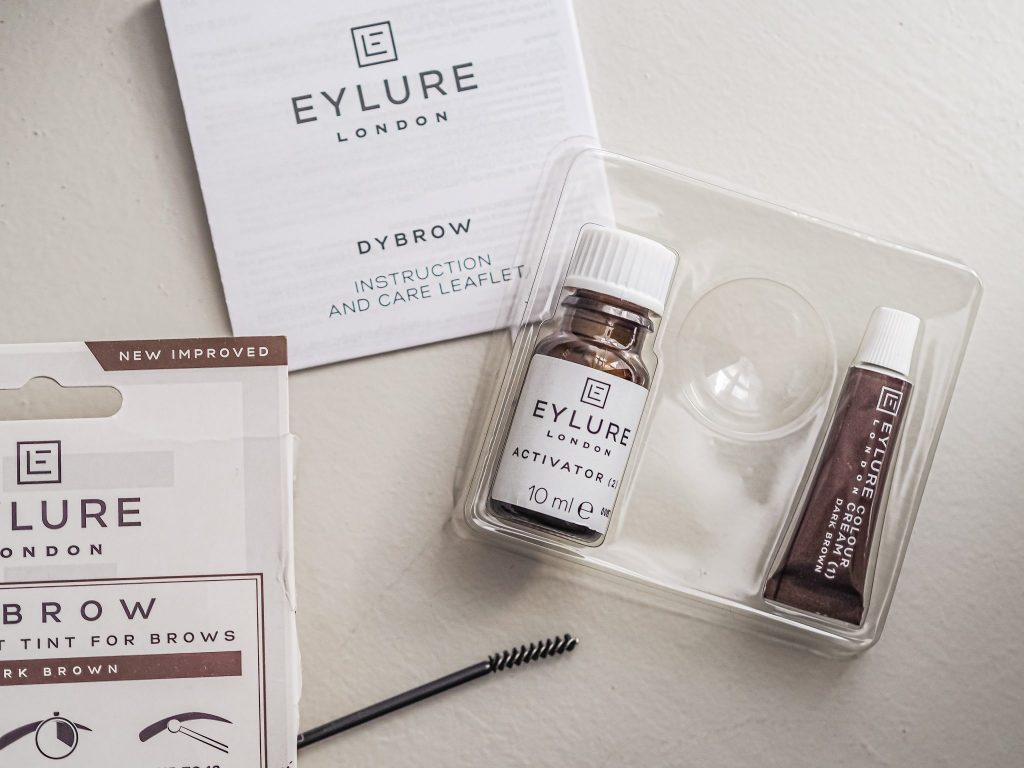 Laura Kate Lucas - Manchester Fashion, Beauty and Lifestyle Blogger | DIY Brown Tint at Home - Eylure Dybrow