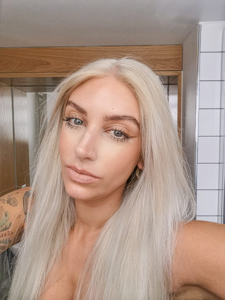 Laura Kate Lucas - Manchester Fashion, Beauty and Lifestyle Blogger | DIY Home Hair Bleach and Dye - Schwarzkopf Blondme Review
