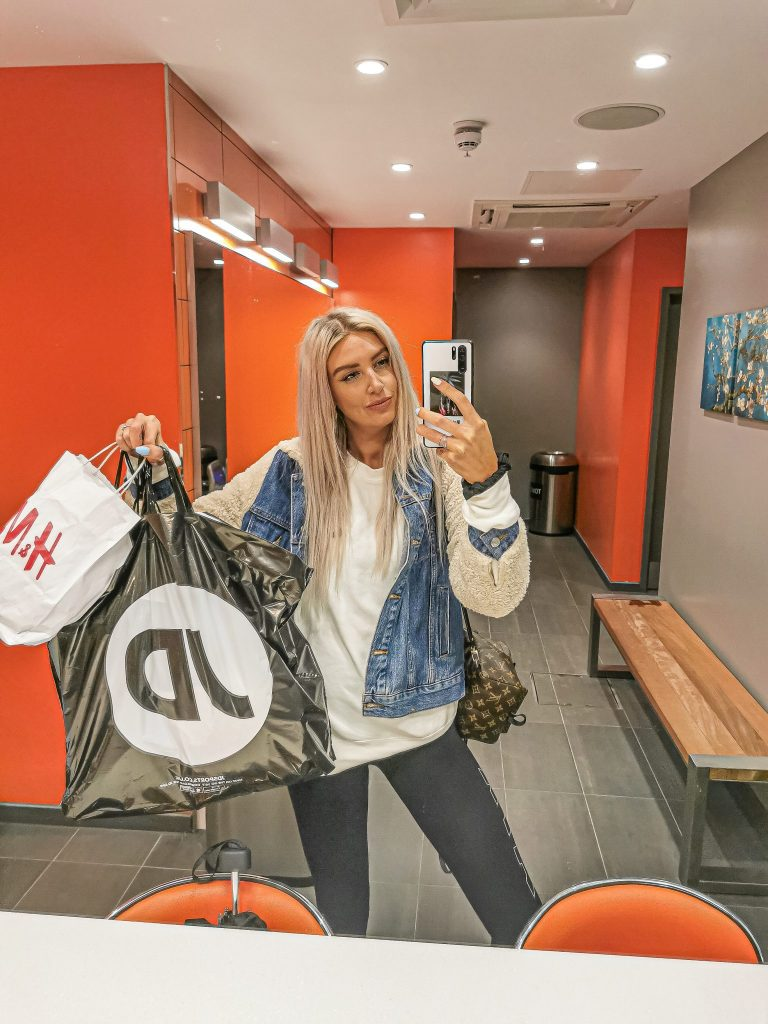 Laura Kate Lucas - Manchester Fashion and Lifestyle Blogger | Stamford Quarter Shopping and Gym Experience