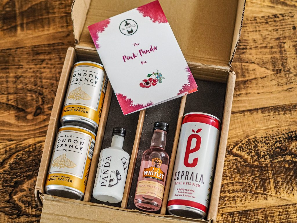 Laura Kate Lucas - Manchester Lifestyle, Food and Drink Blogger | I Love Gin Subscription Box Review