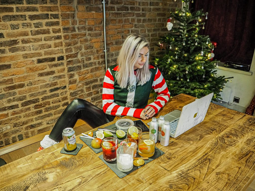 Laura Kate Lucas - Manchester Fashion, Lifestyle and Food Blogger | The Liquorists Virtual Christmas Cocktail Cruise