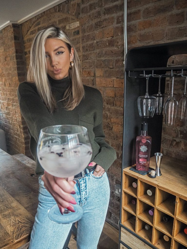 Laura Kate Lucas - Manchester Lifestyle, Food and Drink Blogger | CleanCo Low Alcohol Spirit - CleanGin Rhubarb Holland and Barrett