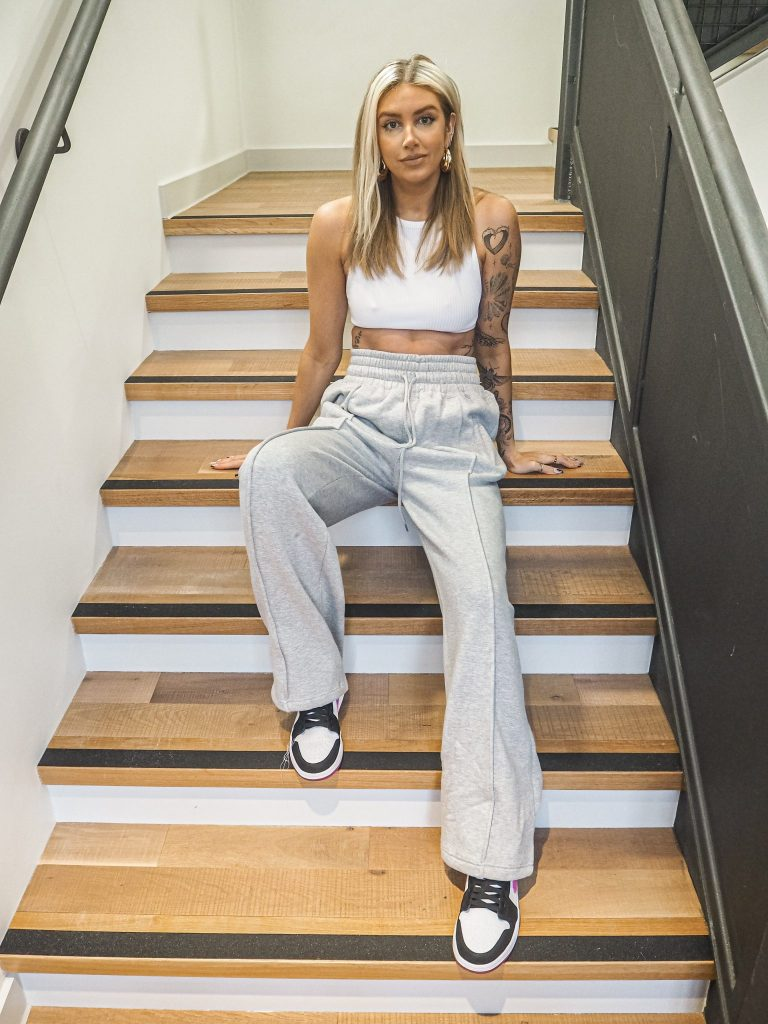 Laura Kate Lucas - Manchester Fashion, Food and Lifestyle Blogger   Wide Leg Joggers - Katch Me UK